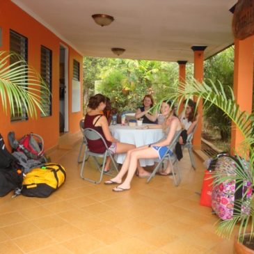 Cambridge School of Weston Students Learn Spanish in Panama